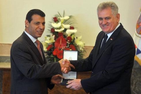 Serbian President Tomislav Nikolić decorates Mohammed Dahlan (Tanjug News Agency)