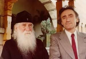 Отац Јустин Поповић са Комненом Бећировићем у манастиру Ћелије, јула 1976.