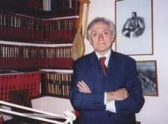 Комнен Бећировић
