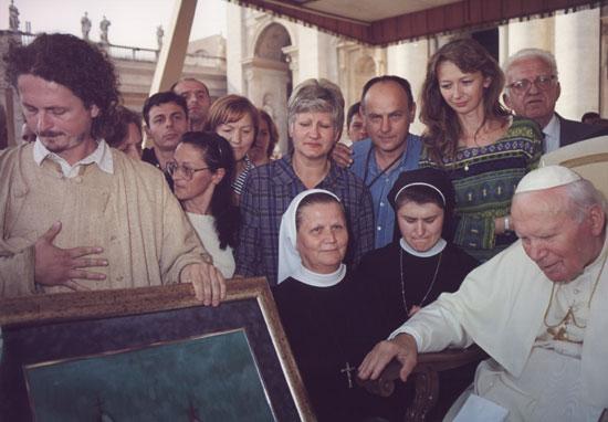 Папа Јован Павле Други са Зораном Ђуровићем (Извор: страница Зорана Ђуровића на Википедији)