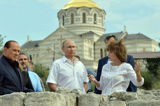 БерлусконииПутинна Криму