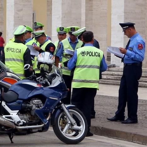 Полиција у Тирани (Фото АП/Hektor Pustina)