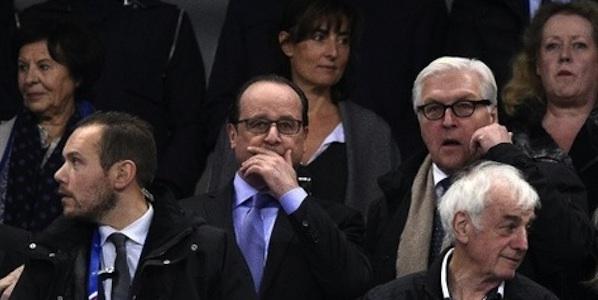 Франсоа Оланд на фудбалској утакмици Француска-Немачка, пре напада у Паризу