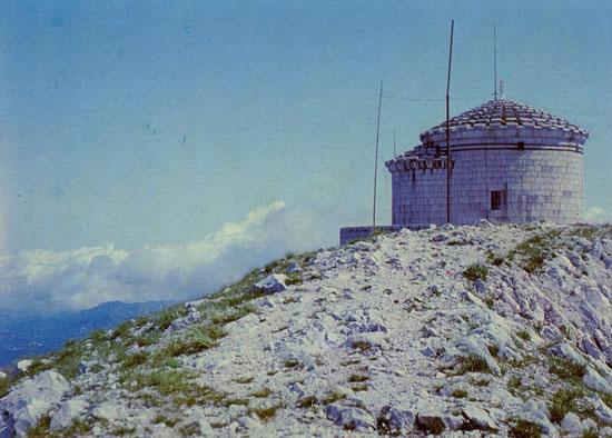 Le-sanctuaire-du-Lovcen,-te