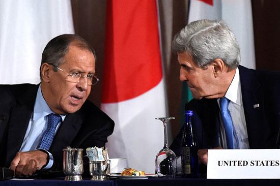 Сергеј Лавров и Џон Кери на састанку у Њујорку (Фото: REUTERS/ Darren Ornitz)