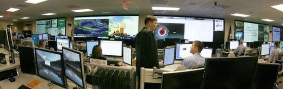 Део аналитичара Унутрашње безбедности у Националном центру за сајбер сигурност у Арлингтону, Вирџинија, 24. септембра 2010. (REUTERS/Hyungwon Kang)