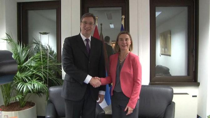 Премијер Александар Вучић састао се у Бриселу са шефицом европске дипломатије Федериком Могерини (Фото: Фонет/АП)
