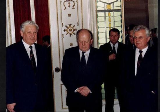 Јељцин, Шушкевич и Кравчук, децембар 1991.